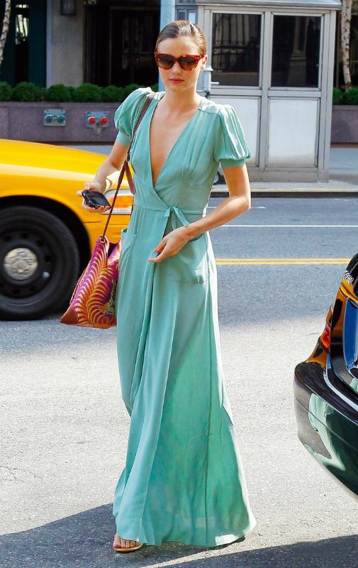 miranda-kerr-wrap-dress-03