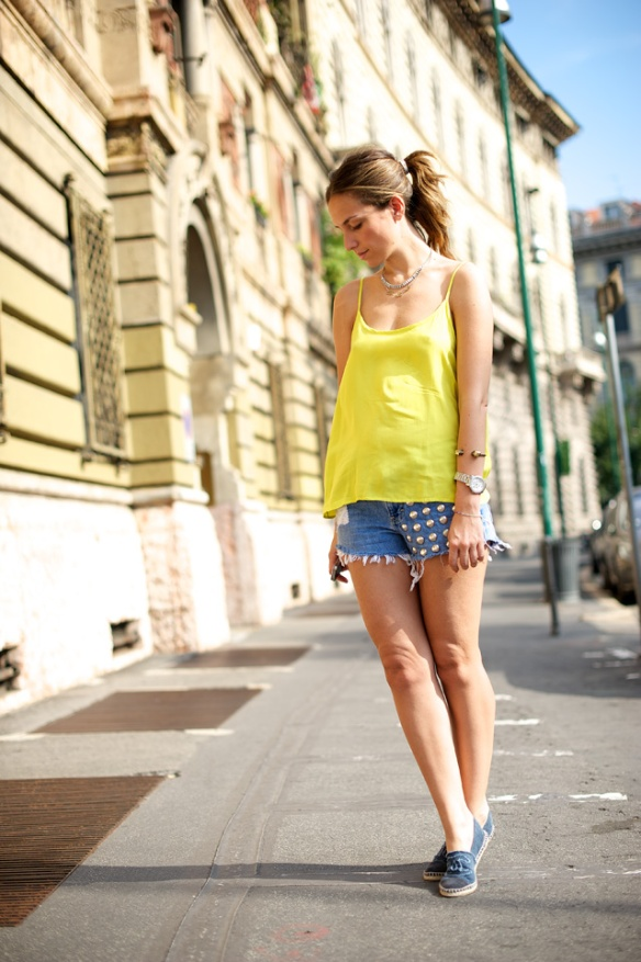 Oysho-T-shirt-Studded-Shorts-Chanel-espadrilles