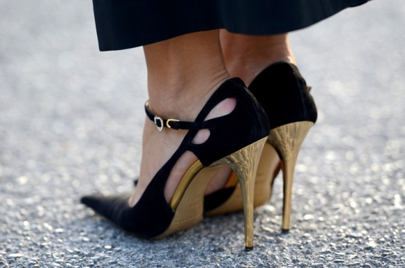 NoboduKnowsMarc.com Gianluca Senese Street Style Fashion Week shoes_thumb[2]