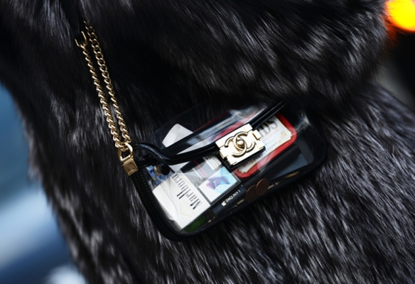 transparent-chanel-clutch