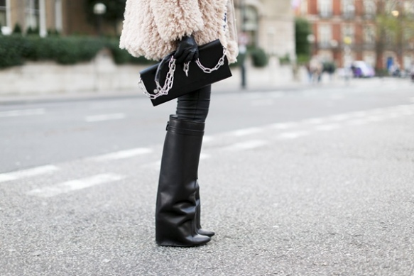 la-modella-mafia-model-off-duty-street-style-Winter-2012-2013-Givenchy-boots