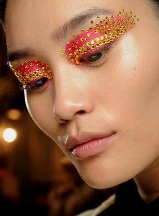 maquiagem-exotica-para-olhos-e-labios-307011-5