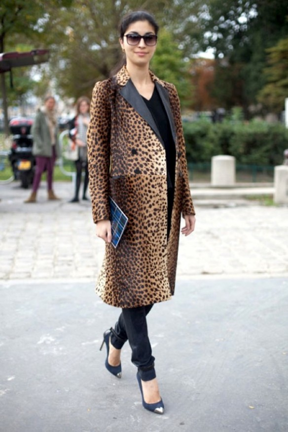 PFW-PARIS-FASHION-WEEK-STREET-STYLE-SS-SPRING-SUMMER-2013-ANIMAL-PRINT-COATS-CHEETAH-PRINT-LEATHER-LAPEL-SKINNY-LEATHER-PANTS-CAP-TOE-SILVER-PUMPS-CAROLINE-ISSA-VIA-HARPERS-BAZAAR