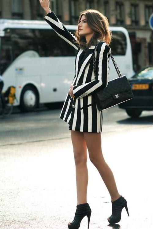 la-modella-mafia-model-off-duty-street-style-in-Balmain-Resort-2013-striped-trend-in-Paris