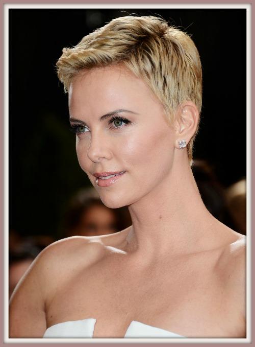 oscar-2013-beleza-atriz-charlize-theron-cabelo-curto-maquiagem-sobrancelha