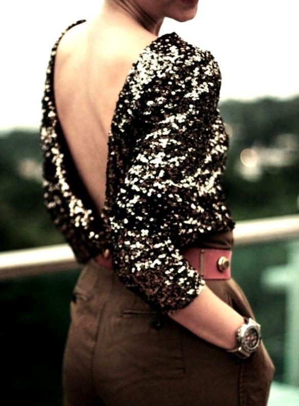 blusa-de-paetes-decote-costas
