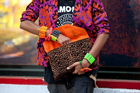 orange+pink+colour+clutch+women+street+style
