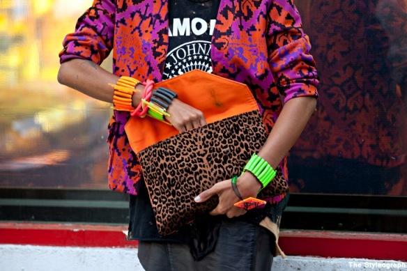 orange+pink+colour+clutch+women+street+style