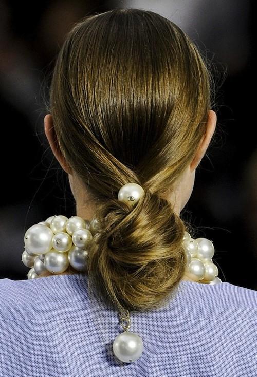 perolas-Chanel_2013_no-cabelo